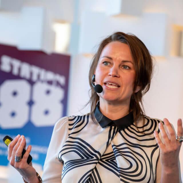 presentatie masterclass extreem klantgericht klantgerichtheid acquisitie netwerken verkopen relatiebeheer Invest in Holland Masterclass | © Raldo Neven